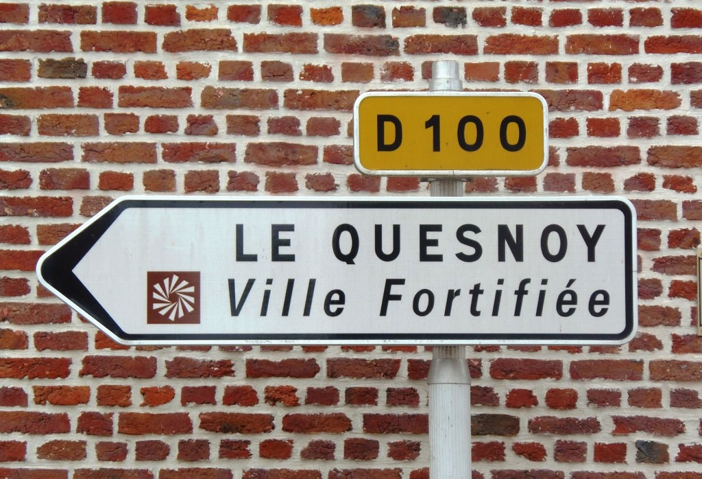 Le Quesnoy d'une porte à l'autre dans promenade p9071372